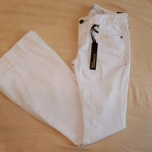 NWT-Express Jean's- Stella Flare, Size. 4